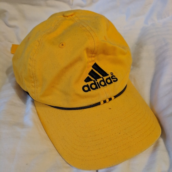 8f5bc8e2b16fe adidas Accessories - Yellow adidas baseball cap in new condition